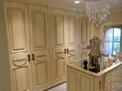 Massive closet space by Majestic Construction Interior Designer