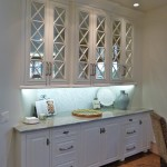 Breakfast nook with glass cabinet fronts in Majestic Construction kitchen remodel