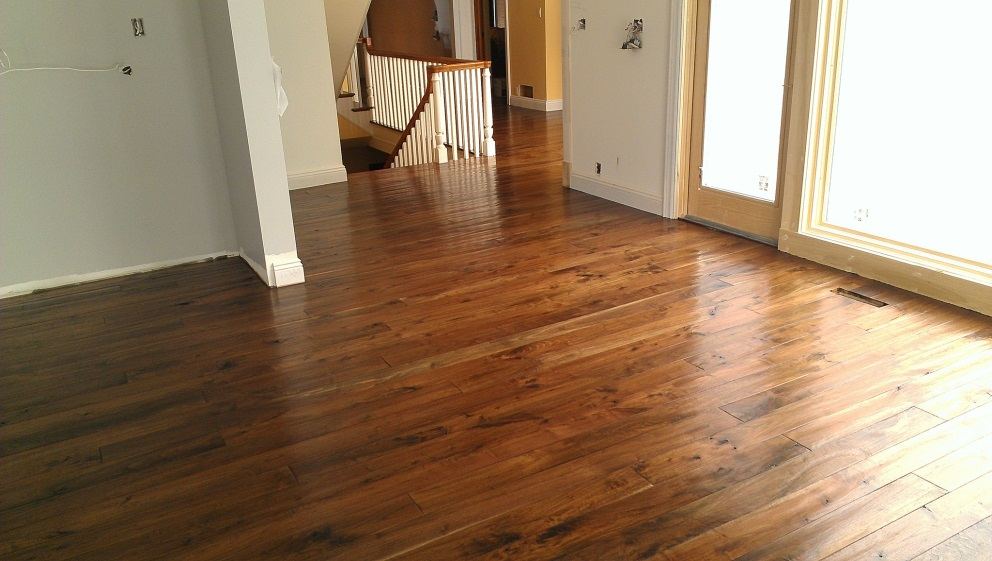 A complete guide to home flooring options majestic for Hardwood floor choices
