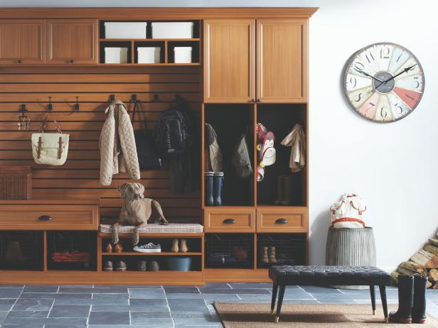 CI-California-Closets-traditional-mudroom-close-up_s4x3.jpg.rend.hgtvcom.616.462